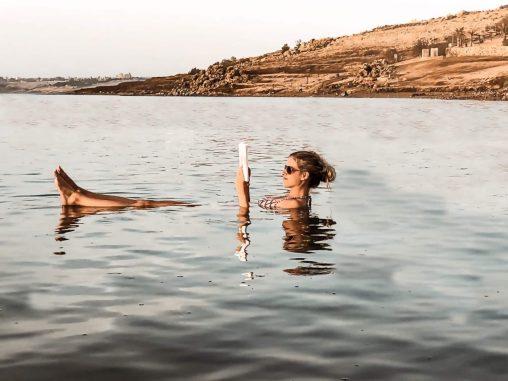 Jordanien Totes Meer baden und lesen