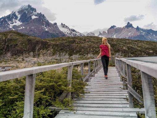 Wandern im Torres del Paine Natinalpark Brücke zum Mirador Pehoe