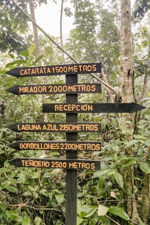 tenorio nationalpark wegweiser wasserfall costa rica